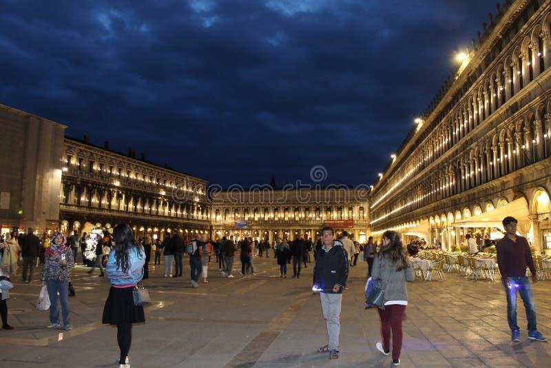 San Marco en la noche fotografía de archivo