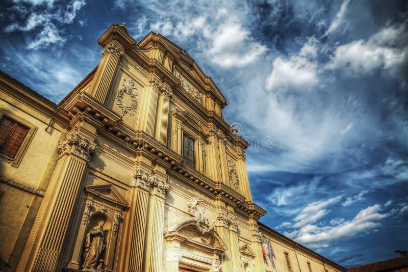 San Marco kościół pod dramatycznym niebem w Florencja obraz stock