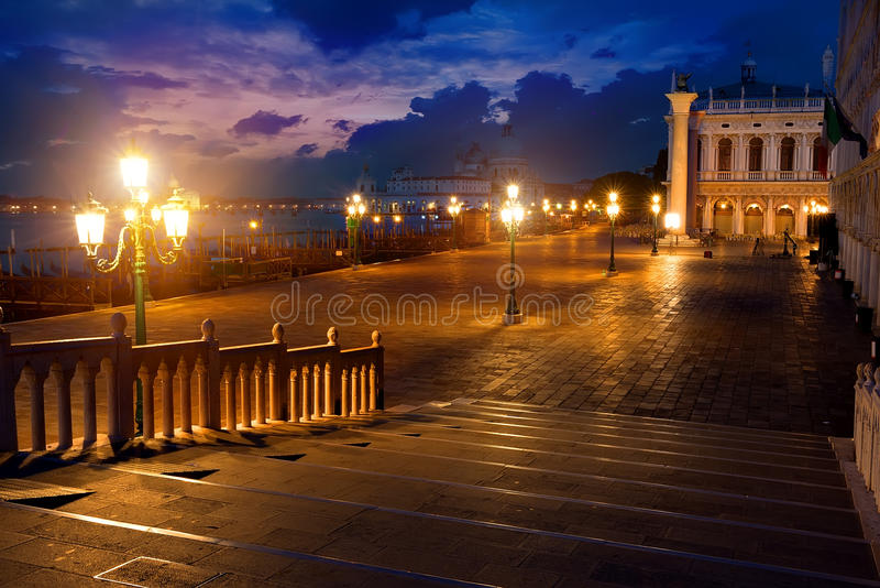San Marco na noite imagem de stock