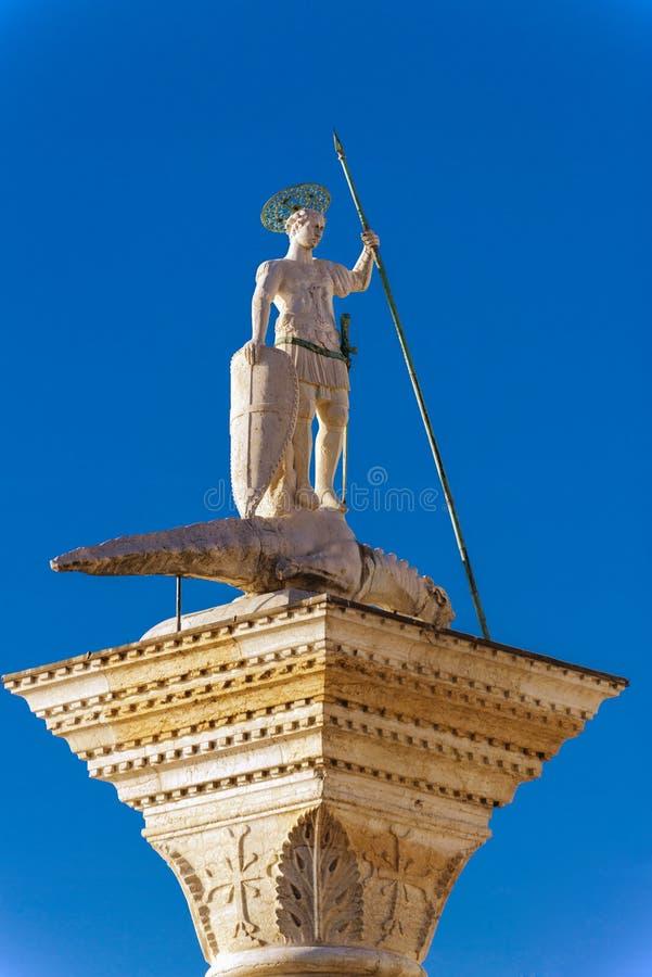San Marco Square - colonne de St Theodore photos stock