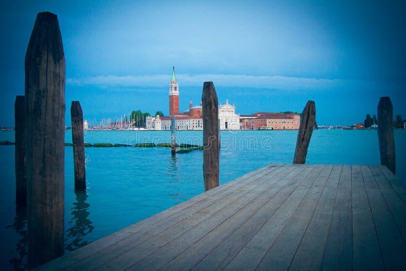 San Marco a través del agua en Venecia fotografía de archivo libre de regalías