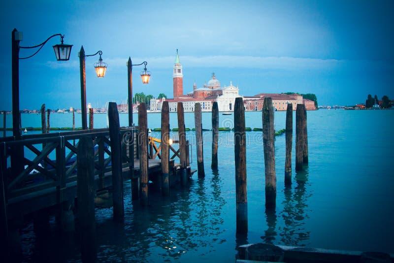 San Marco a través del agua en Venecia foto de archivo