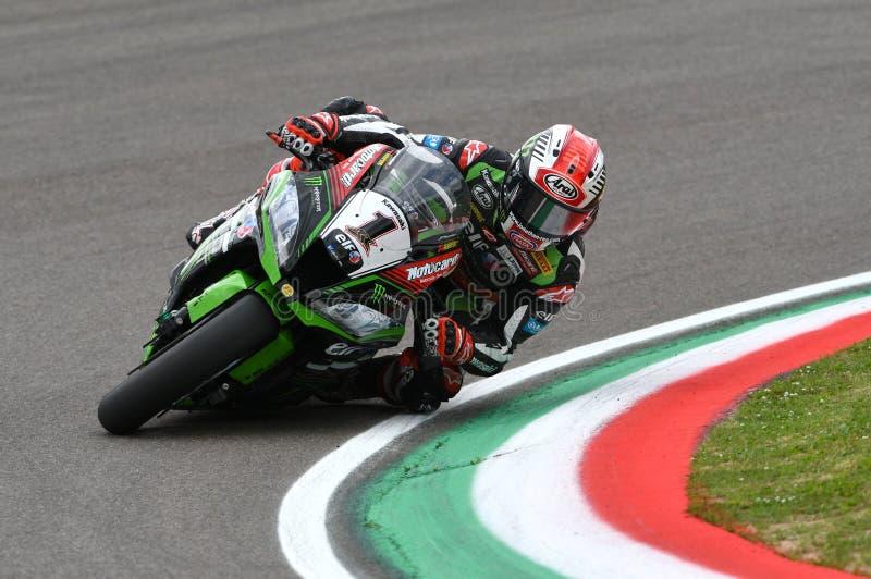 San Marino, Italia - 12 maggio: Jonathan Rea dei giri della Gran Bretagna Kawasaki Racing Team durante il qualifyng fotografie stock