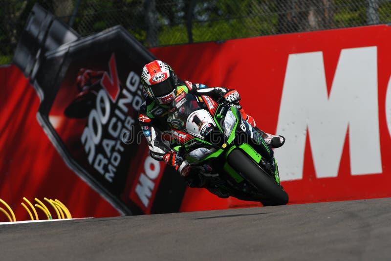 San Marino, Italia - 12 maggio: Jonathan Rea della Gran Bretagna Kawasaki Racing Team guida durante il qualifyng di WSBK a Imola immagini stock