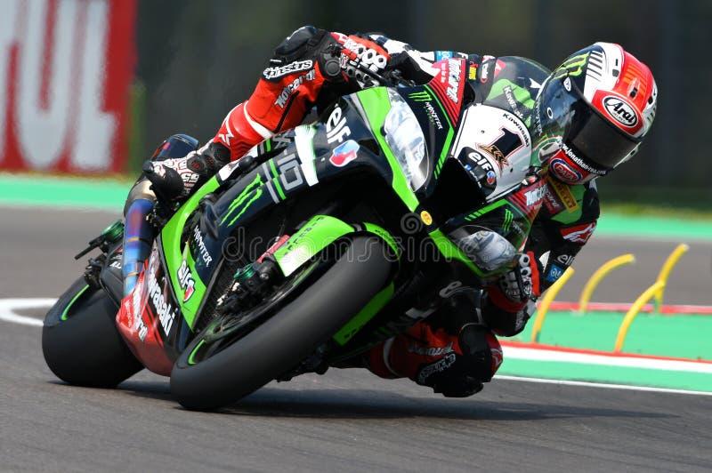 San Marino, Italia - 12 maggio: Jonathan Rea della Gran Bretagna Kawasaki Racing Team guida durante il qualifyng di WSBK a Imola fotografia stock