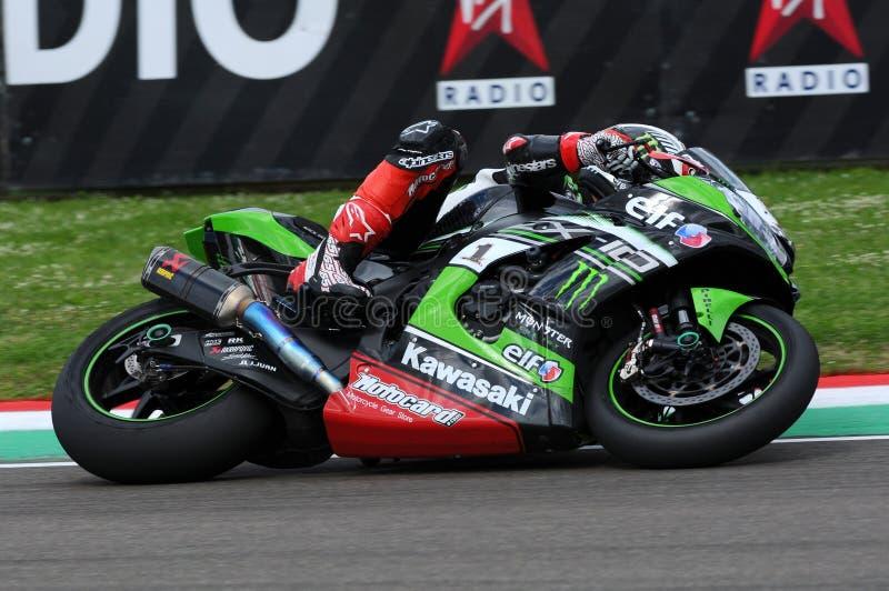 San Marino Italien - Maj 12: Jonathan Rea av Storbritannien Kawasaki Racing Team rider under qualifyng av WSBK på Imola royaltyfria foton