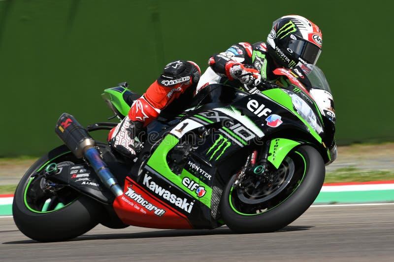 San Marino Italien - Maj 12: Jonathan Rea av Storbritannien Kawasaki Racing Team rider under qualifyngperiod på Imola Circuit arkivbilder