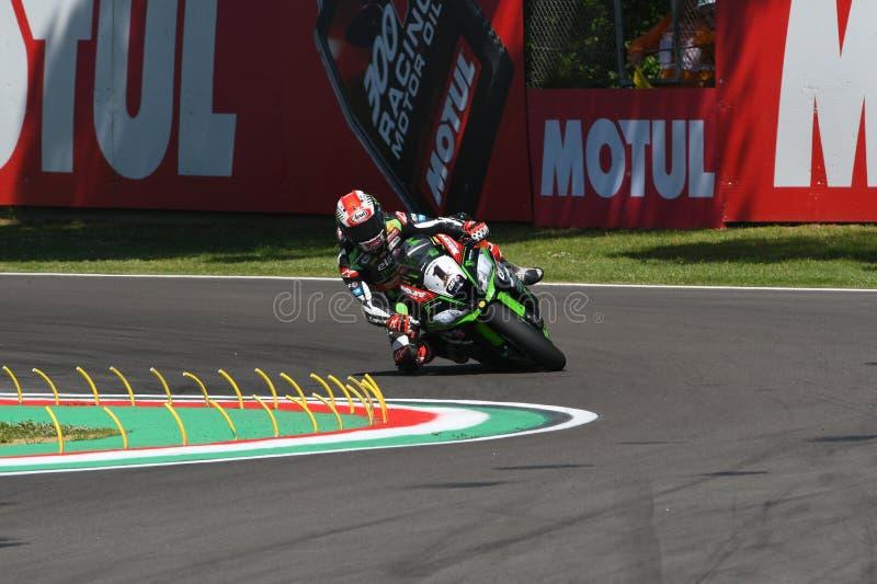 San Marino Italien - Maj 12: Jonathan Rea av Storbritannien Kawasaki Racing Team ritter under qualifyng arkivbild