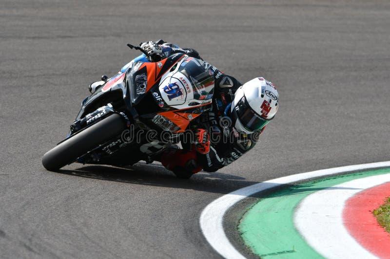 San Marino Italy - 11 mai 2018 : Leon Haslam gigaoctet Kawasaki ZX-10RR Kawasaki Puccetti Racing Team, dans l'action pendant le S images libres de droits