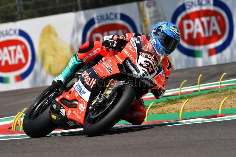 San Marino Italy - Maj 11, 2018: Marco Melandri ITA Ducati Panigale R Aruba det som springer - Ducati lag, i handling royaltyfria foton