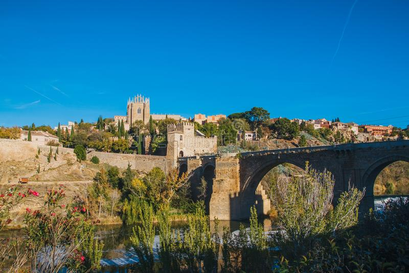 San Martin Bridge attraverso il Tago, Toledo, Spagna immagine stock
