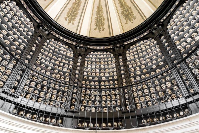 San Martino della Battaglia ossuary fotografering för bildbyråer