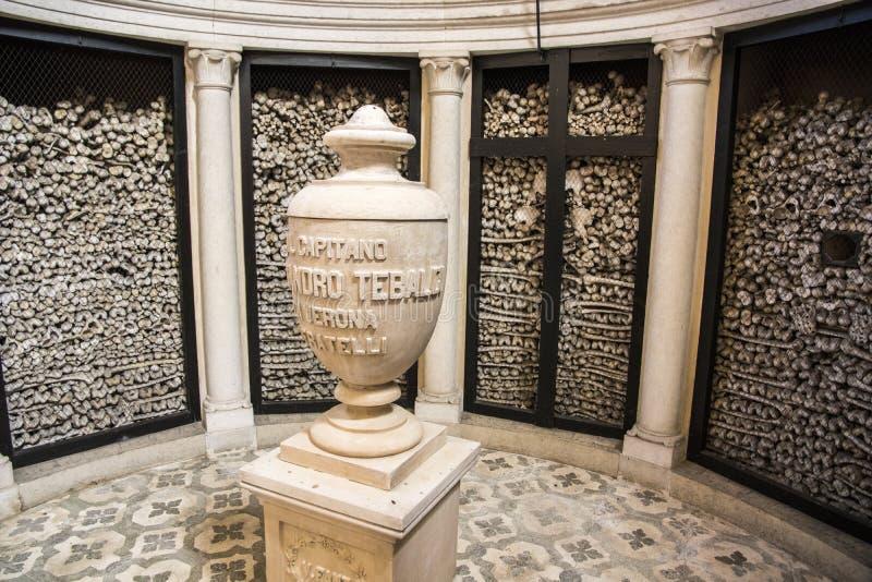 San Martino della Battaglia ossuary royaltyfria foton