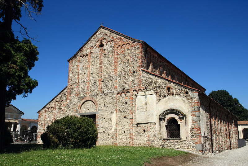 San Michele Church em Oleggio, Itália fotografia de stock