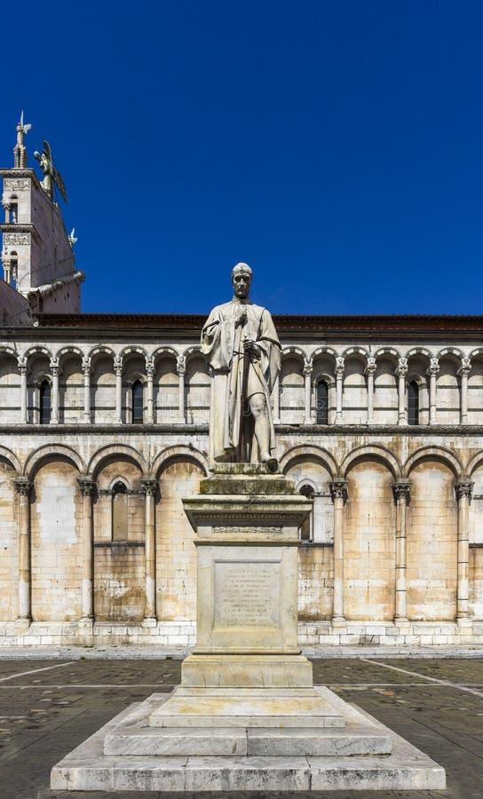 San Michele in foro kyrka- och Francesco Burlamacchi staty, Pia fotografering för bildbyråer