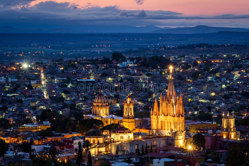 San Miguel de Allende an der Dämmerung, Guanajuato, Mexiko stockbild