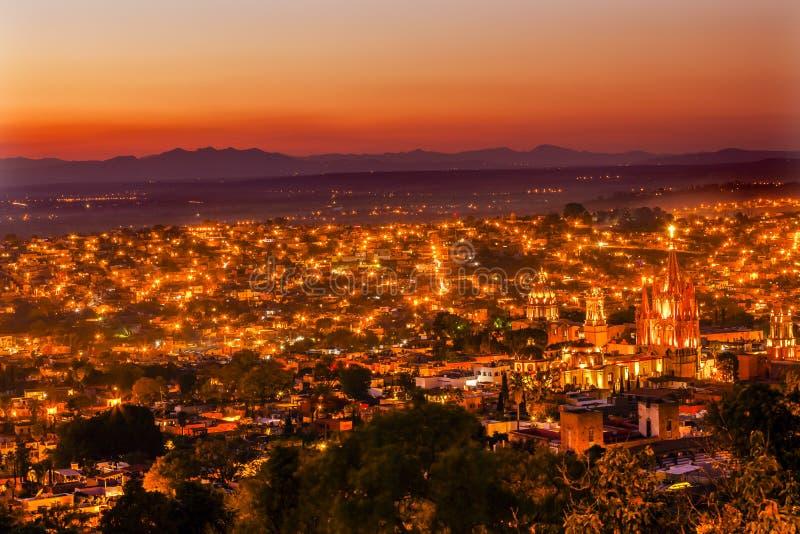 San Miguel de Allende Mexico Miramar Overlook que nivela Parroquia imagens de stock royalty free