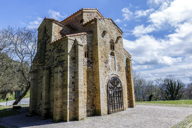 San Miguel de Lillo in Oviedo stock foto's