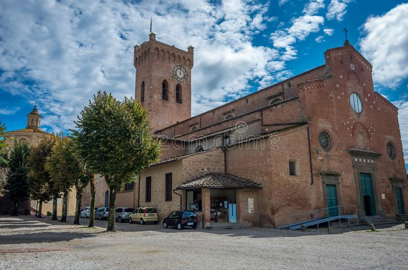 San Miniato sikt på Duomodomkyrkan San Miniato Tuscany Italien Europa arkivfoton