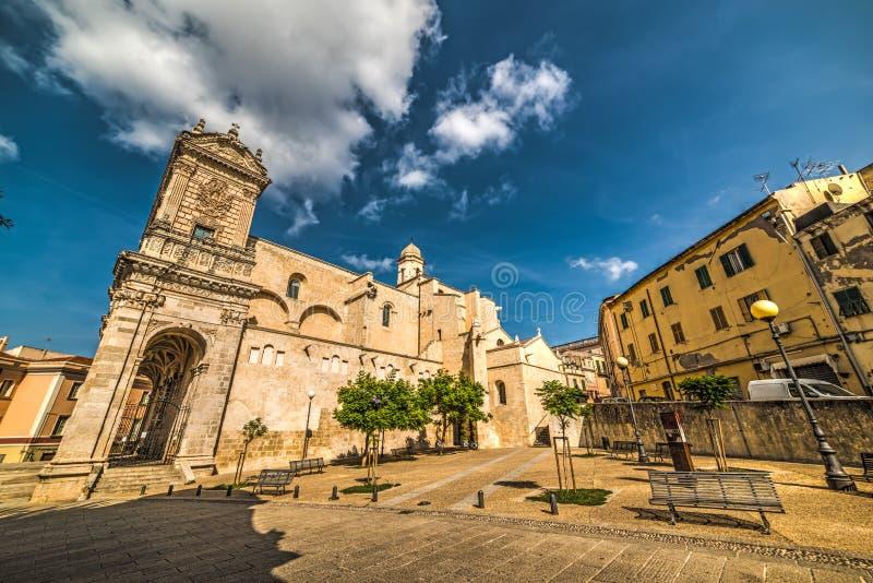San Nicola unter Wolken lizenzfreies stockfoto