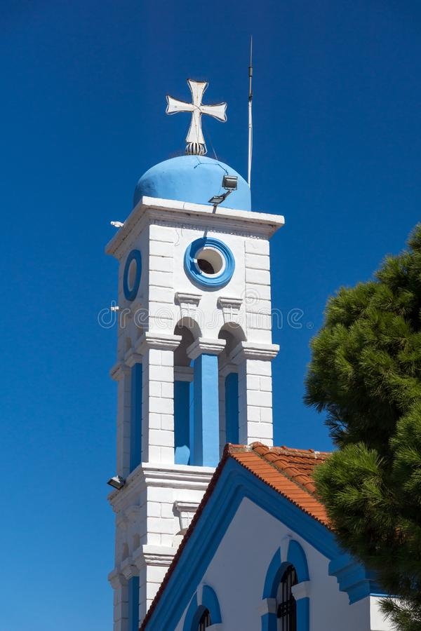 San ortodosso Nicholas Monastery individuato su due isole a Oporto Lagos vicino alla città di Xanthi, Grecia fotografia stock libera da diritti