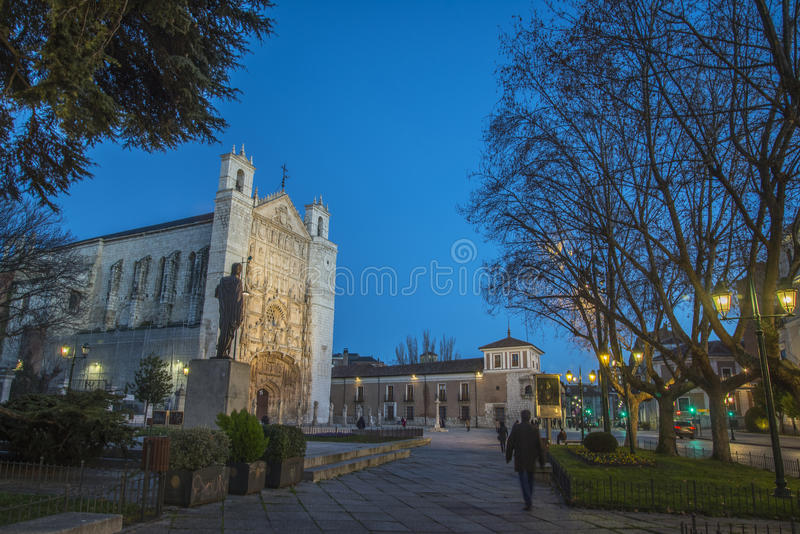 San Pablo Church na noite, Valladolid imagem de stock