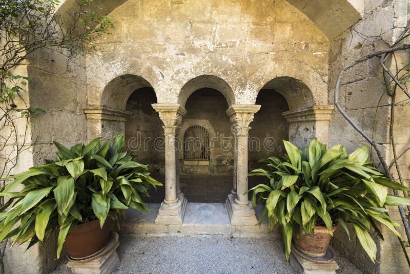 San Paul de Mausole au saint-Remy De Provence photo stock