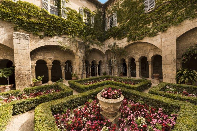 San Paul de Mausole em Saint-Remy de Provence imagens de stock royalty free