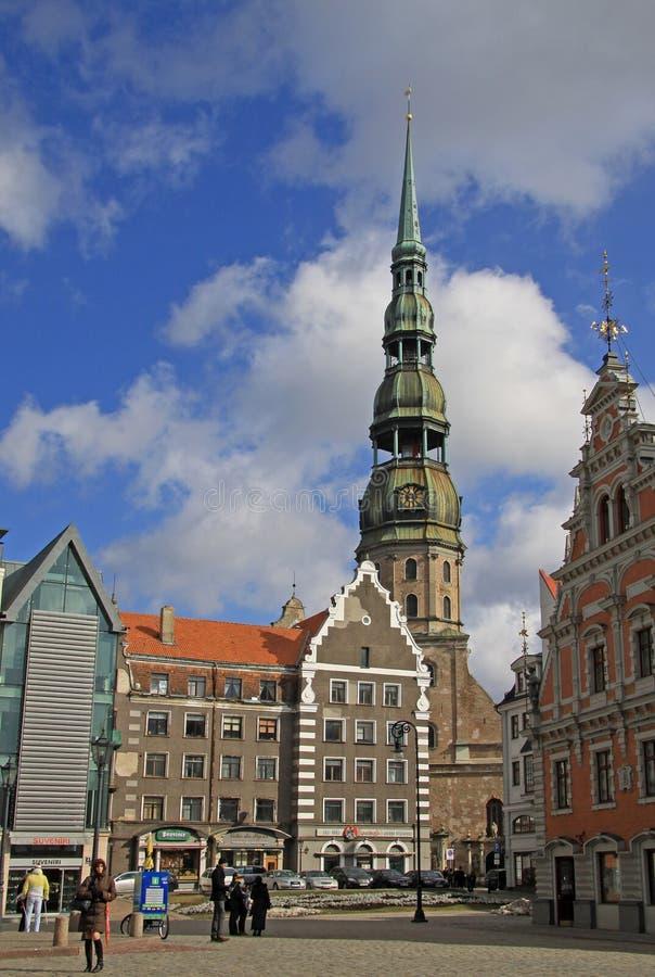 San Pedro es una iglesia luterana en Riga, la capital de Letonia La iglesia se dedica a San Pedro fotografía de archivo libre de regalías