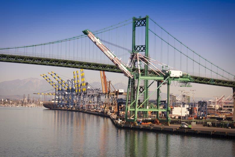 San Pedro Ship Yard och bro arkivfoton