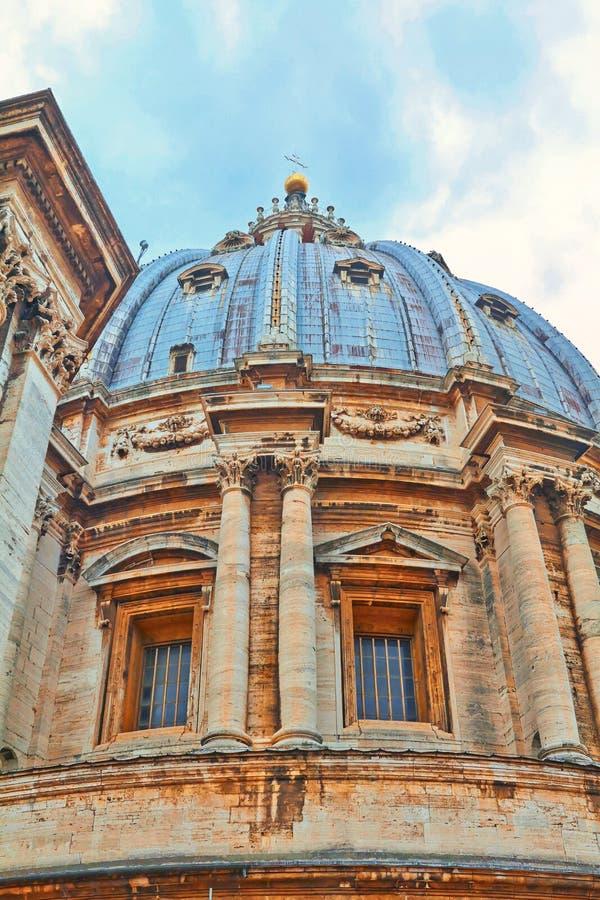San Pedro y x27; basílica, San Pedro y x27 de s; cuadrado de s imagenes de archivo