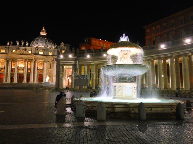 San Pedro y x27; cuadrado de s en el Vaticano fotografía de archivo libre de regalías