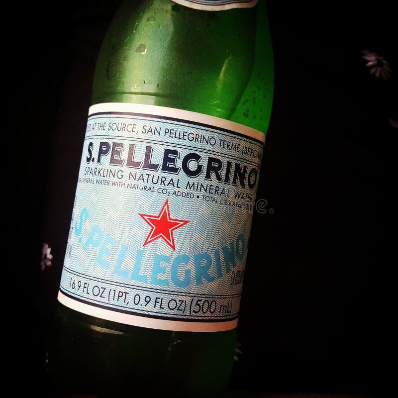 San Pellegrino mousserande mineralvatten arkivfoto