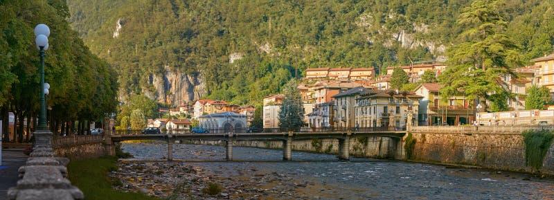 San Pellegrino Terme, Italie - 18 août 2017 : la commune en Italie, est située dans la région de la Lombardie, dans la province d photographie stock