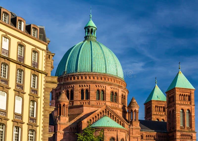 San-Pierre-le-Jeune church a Strasburgo - l'Alsazia immagini stock