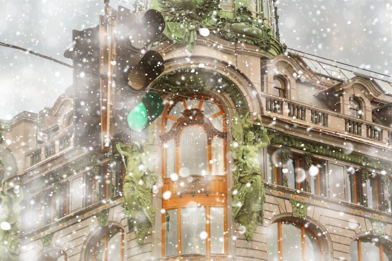 San Pietroburgo all'inverno Cantante House House dei libri sulla prospettiva di Nevsky alla bufera di neve immagini stock