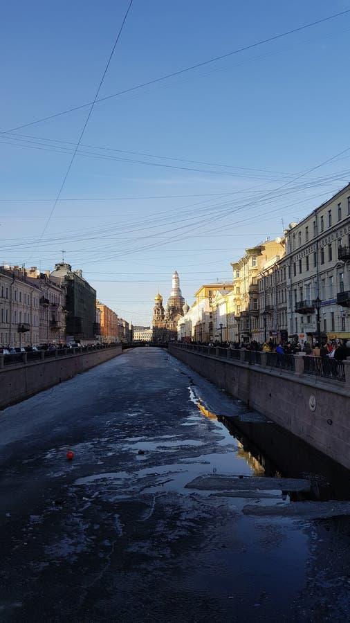 San Pietroburgo alla molla immagine stock