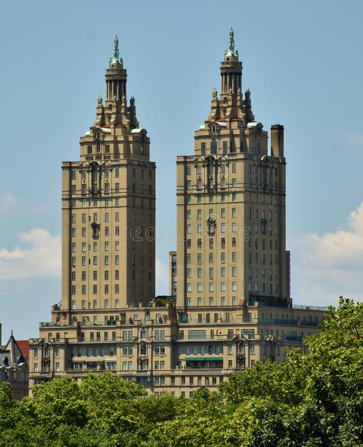 San Remo Towers dans le Central Park image stock