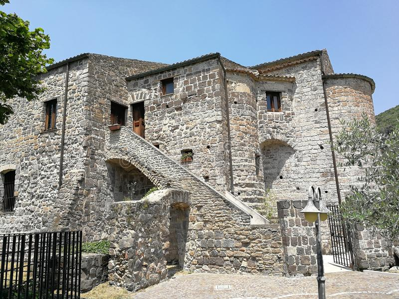San Salvatore Telesino - abadia do licor beneditino de San Salvatore foto de stock royalty free