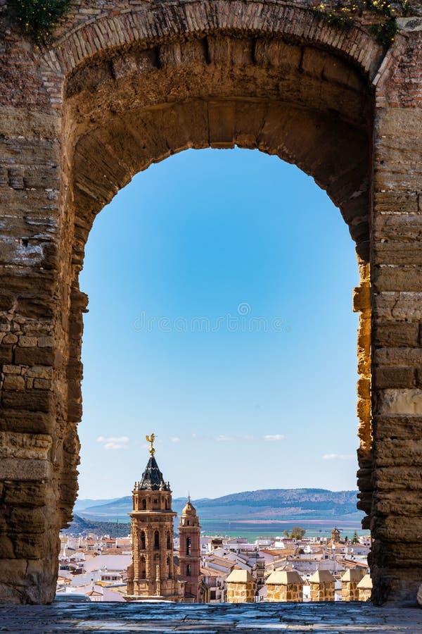 San Sebastian ko?cielny wierza w Antequera, Malaga prowincja, Andalusia, Hiszpania zdjęcia royalty free