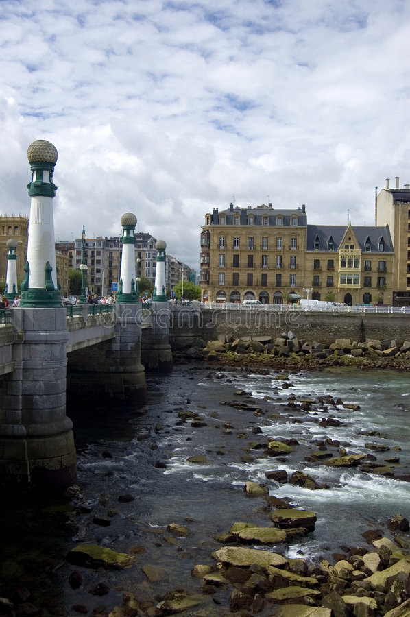 San Sebastian - passerelle kursaal photo stock