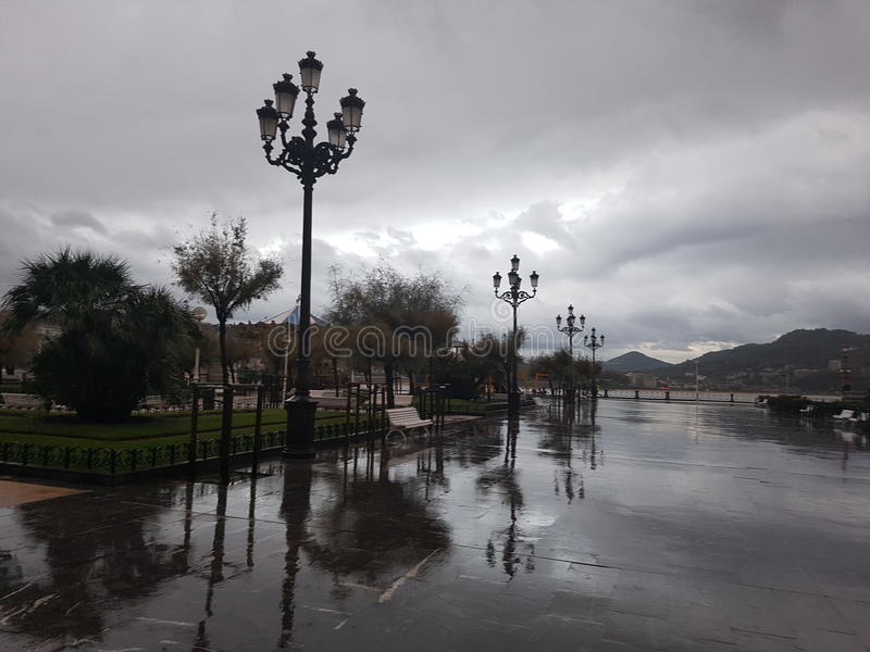 San Sebastian regnig dag royaltyfri foto