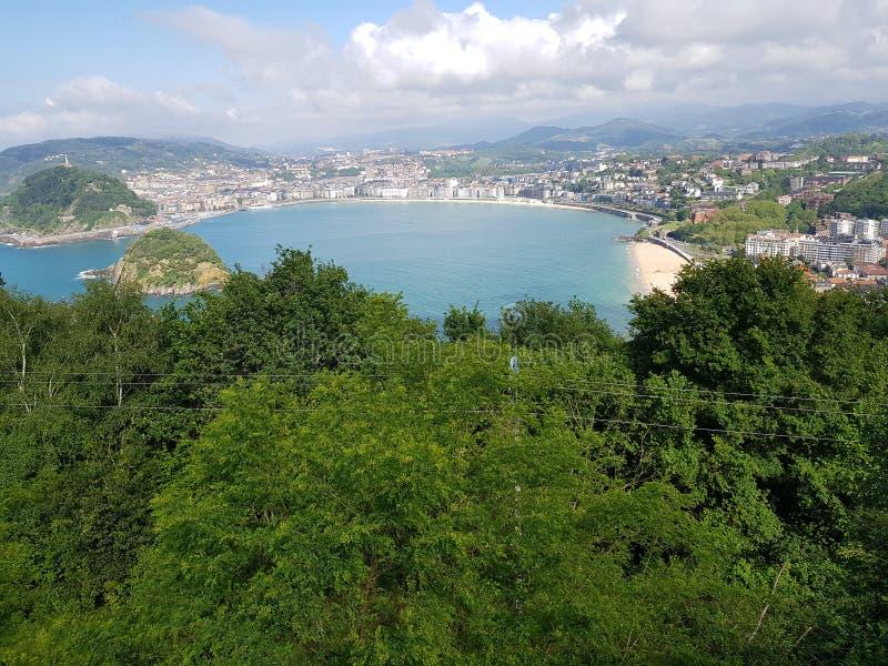 San Sebastian visto da montagem Igueldo fotografia de stock