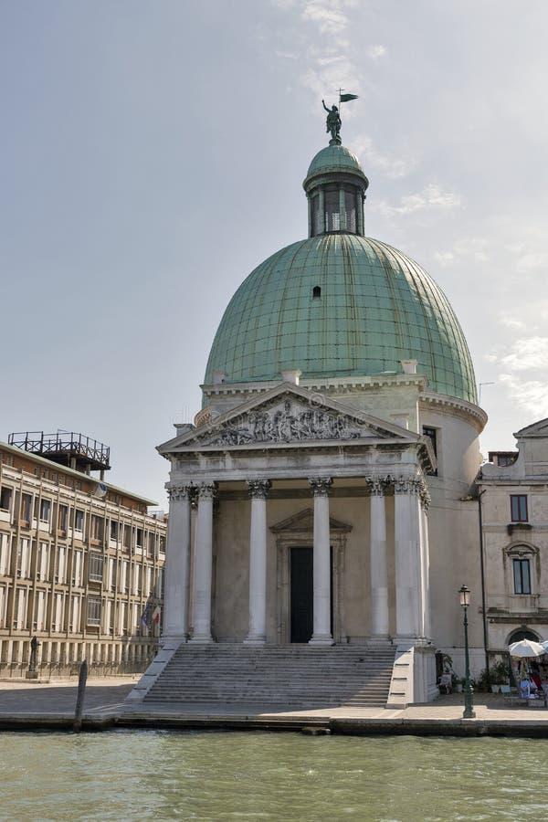 San Simeone Piccolo kyrka i Venedig, Italien royaltyfria bilder