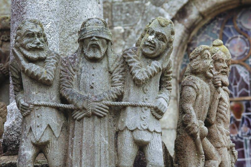 San-Thegonnec (Bretagna, Francia): chiesa medievale immagini stock