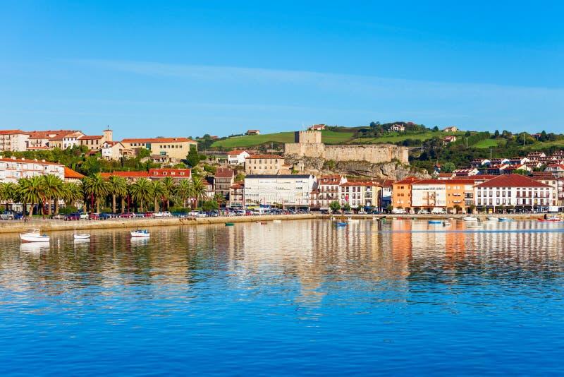 San Vicente Barquera en Espa?a imágenes de archivo libres de regalías
