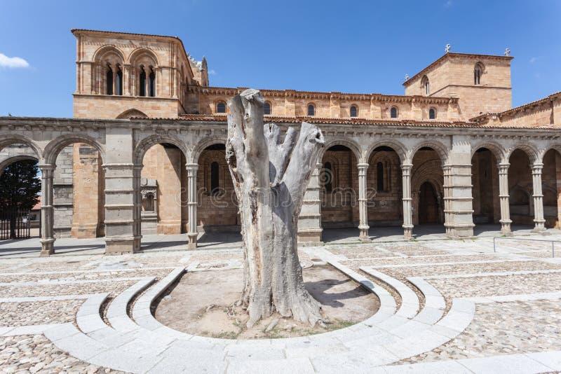 San Vicente Basilica en Ávila, España imagen de archivo