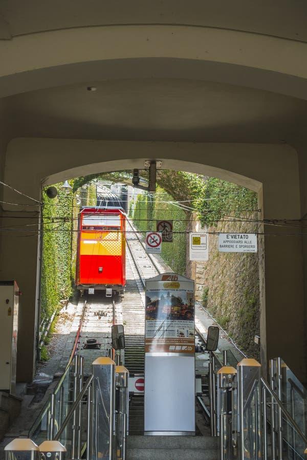 San Vigilio Funicular, Bergamo stad royaltyfri foto
