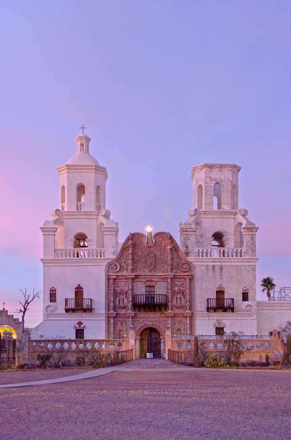 San Xavier del Bac Mission bij Schemer royalty-vrije stock fotografie
