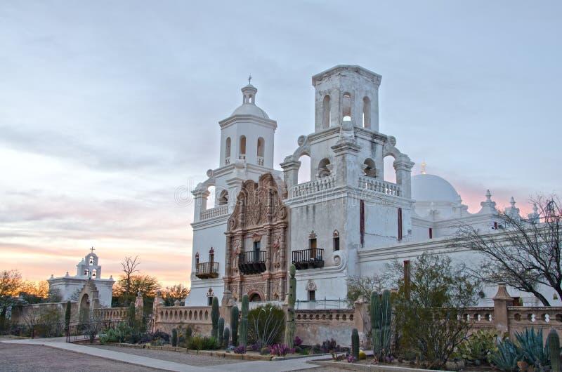 San Xavier del Bac Mission bij Zonsondergang stock afbeelding